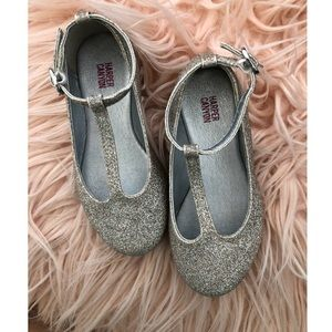 Girl sparkle shoes